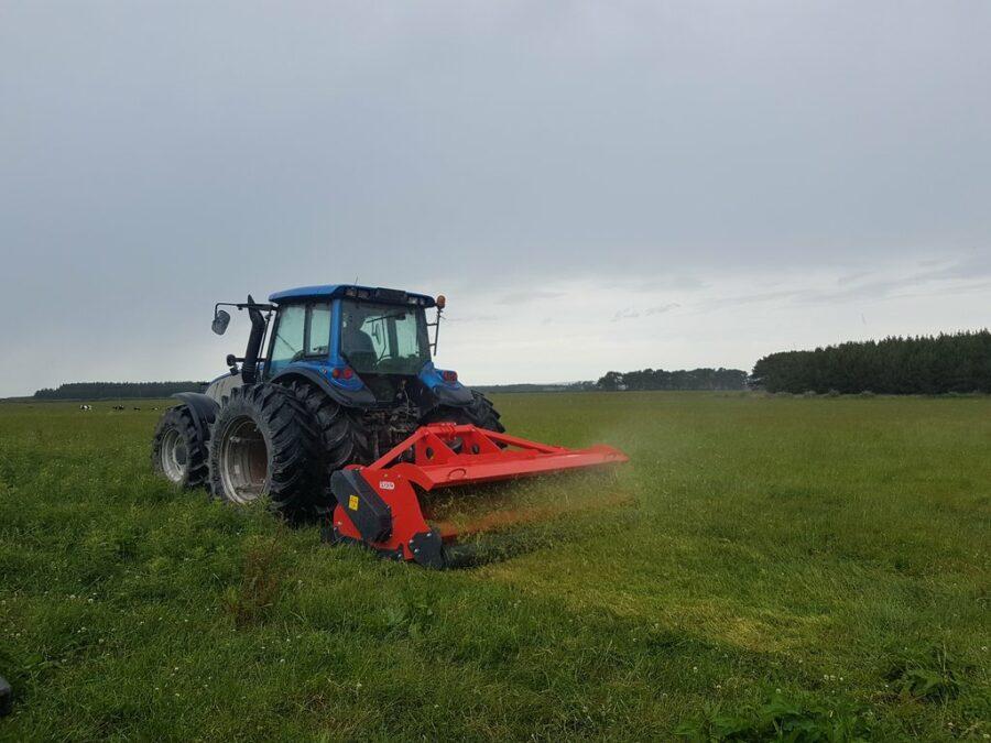 Mulching grass with Vigolo heavy duty mulcher