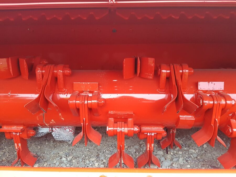 Mulcher rotor with flail protection plates