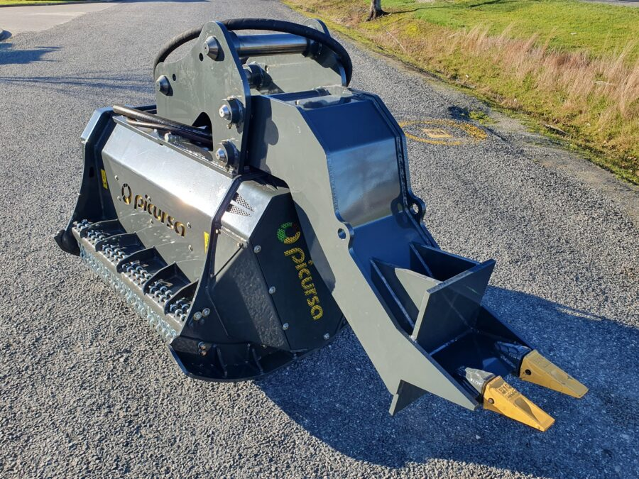 Hitch and Heel on Digger mounted mulcher