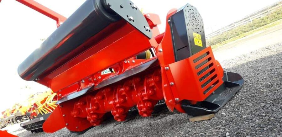 Vigolo forestry mulcher with hydraulic roller