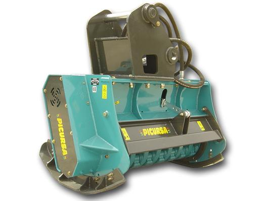 Hydraulic drive mulcher with 360 degree swinging hammers