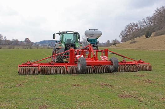 Lehner air seed box on roller