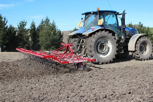 Folding maxitill cultivator with finger tines